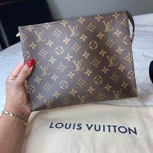 Louis Vuitton Bags - Louis Vuitton Toiletry 26 Bag